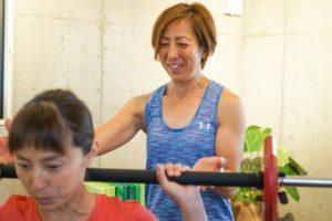 江ノ島・湘南の近くで女性向けのトレーニング指導をするトレーナー道上